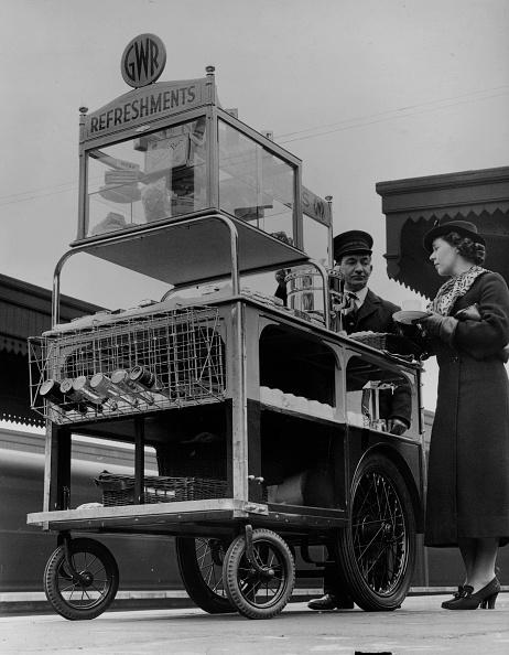 Fred Morley「Buffet Trolley」:写真・画像(15)[壁紙.com]