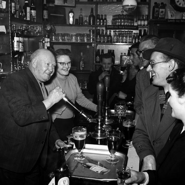 Food And Drink Industry「English Pub」:写真・画像(15)[壁紙.com]