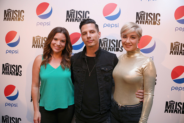 Television Host「Pepsi Fire House At The CMT Music Awards - Get It While It's Hot: Listening Party」:写真・画像(4)[壁紙.com]