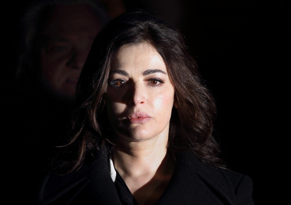 Nigella Lawson「Nigella Lawson Gives Evidence In The Trial Of Her Two Assistants」:写真・画像(5)[壁紙.com]