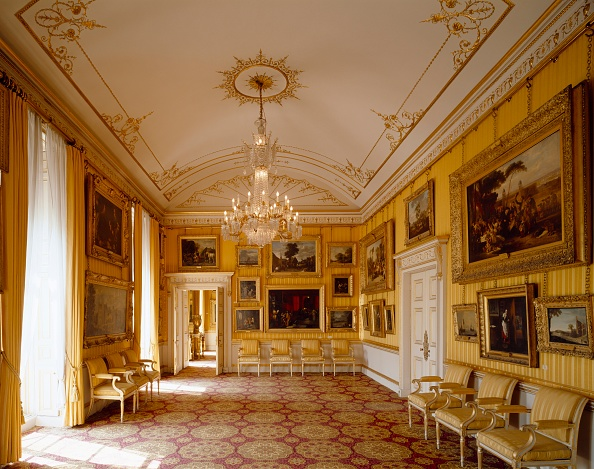 Gold Colored「Piccadilly Drawing Room, Apsley House, c1990-2010」:写真・画像(5)[壁紙.com]