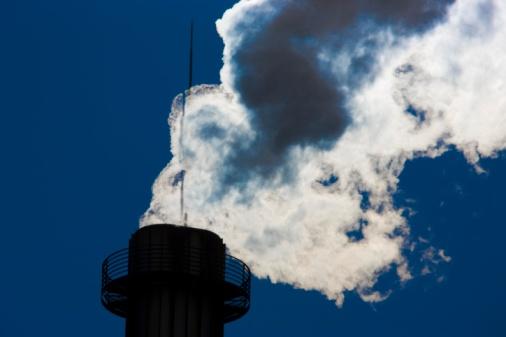 Emitting「Smoke coming out of a smoke stack, Tokyo Prefecture, Japan」:スマホ壁紙(1)