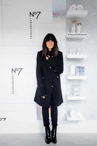Black Glove「Claudia Winkleman Announces Partnership With No7」:写真・画像(0)[壁紙.com]