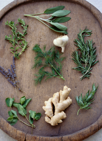 Tarragon「Healthy Herbs, Garlic, and Ginger Root on a Tray」:スマホ壁紙(4)