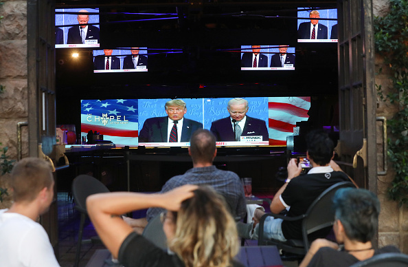 Debate「Americans Across The Nation Watch First Presidential Debate」:写真・画像(4)[壁紙.com]