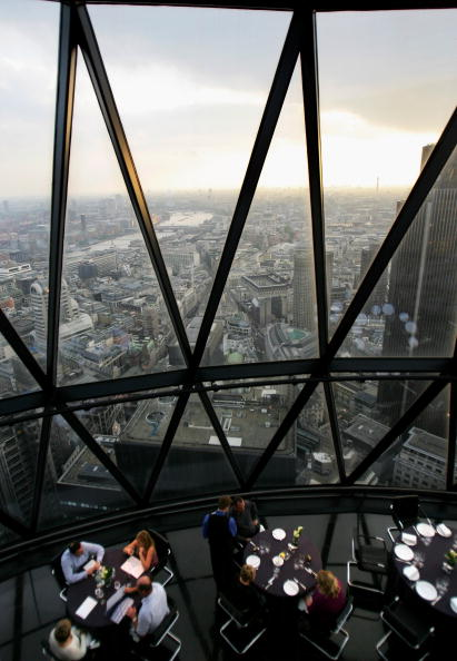 On Top Of「Londons Iconic Gherkin Building Up For Sale」:写真・画像(6)[壁紙.com]