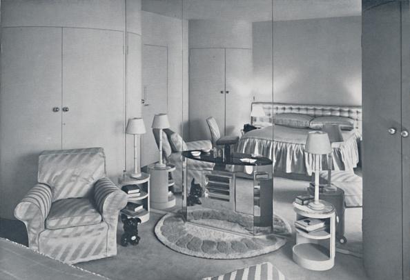 Upholstered Furniture「Doris Howard Robertson ARIBA - House Of The Marquesa De Casa Maury - Bedroom For Miss Penelope Artist: Humphrey Joel」:写真・画像(6)[壁紙.com]