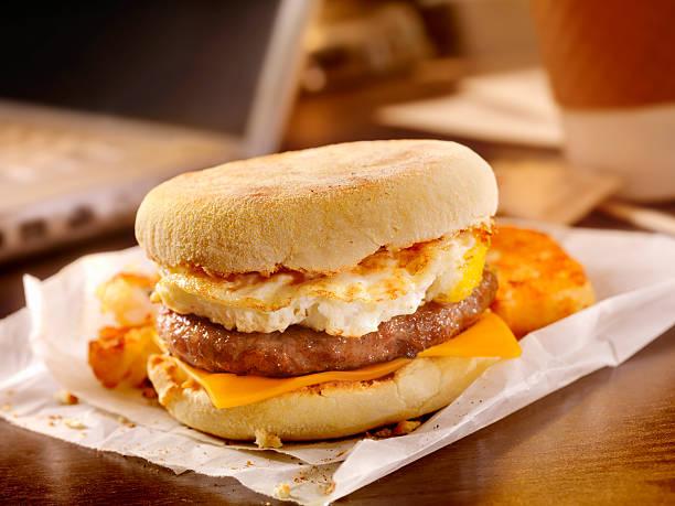 Sausage and Egg Breakfast Sandwich at your Desk:スマホ壁紙(壁紙.com)