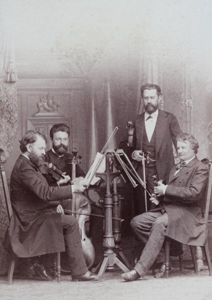 1880-1889「The Joachim Quartet (From Left To Right: Joseph Joachim - Robert Hausmann - Emanuel Wirth - Heinrich De Ahna). About 1885. Photograph By E. Encke / Berlin. Photograph.」:写真・画像(14)[壁紙.com]