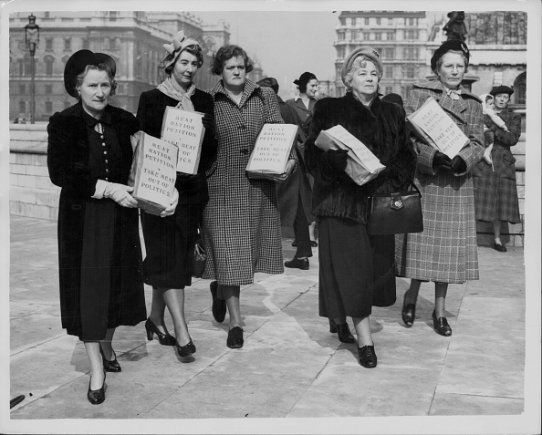Fred Ramage「Housewives Association At The House Of Commons」:写真・画像(11)[壁紙.com]