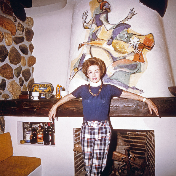 Fireplace「Lilli Palmer」:写真・画像(3)[壁紙.com]