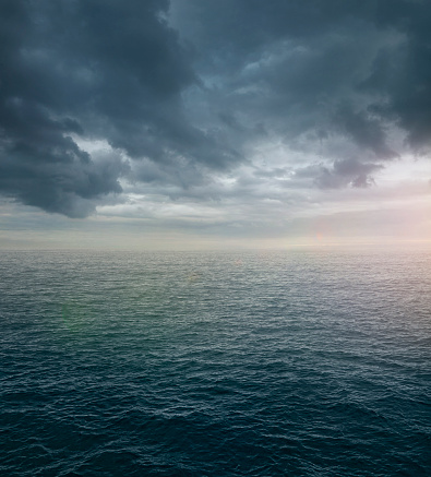 Seascape「Ocean sea with dramatic clouds」:スマホ壁紙(9)