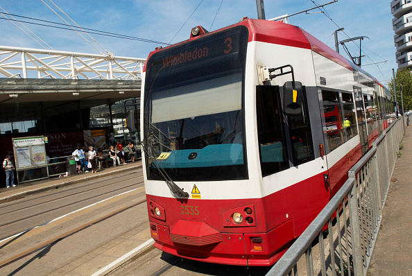 Copy Space「Croydons Tramlink system, East Croydon station, South London, UK」:写真・画像(18)[壁紙.com]