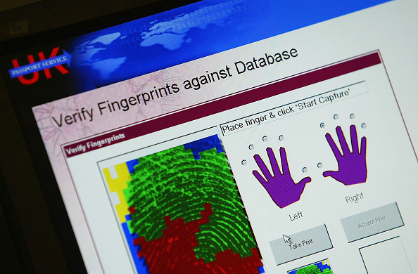 Natural Pattern「MPs Trial Iris And Fingerprint Scanning At UK Passport Service」:写真・画像(12)[壁紙.com]