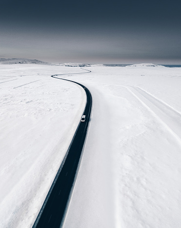 Empty Road「candy aerial view of snowed road in iceland」:スマホ壁紙(8)