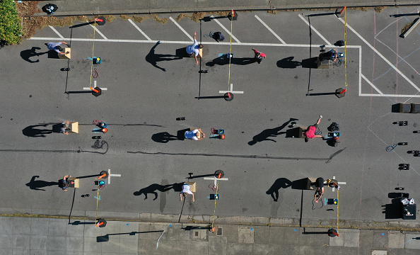 Outdoors「San Anselmo Gyms Reopens For Outdoor Social Distanced Group Classes」:写真・画像(19)[壁紙.com]