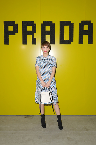 White Purse「Prada -Arrivals and Front Row: Milan Fashion Week Fall/Winter 2019/20」:写真・画像(6)[壁紙.com]