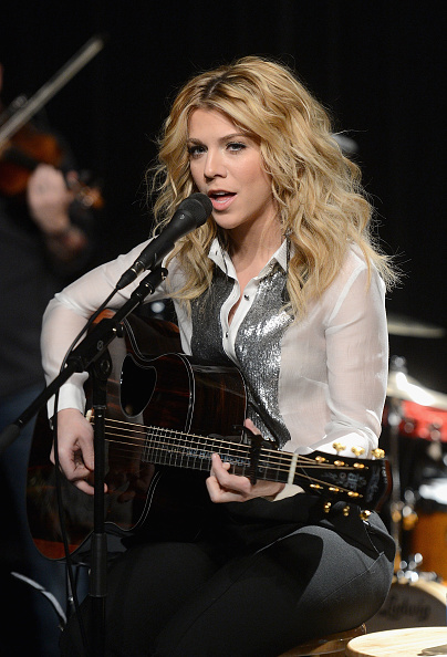 Visit「The Band Perry Visits Music Choice」:写真・画像(17)[壁紙.com]