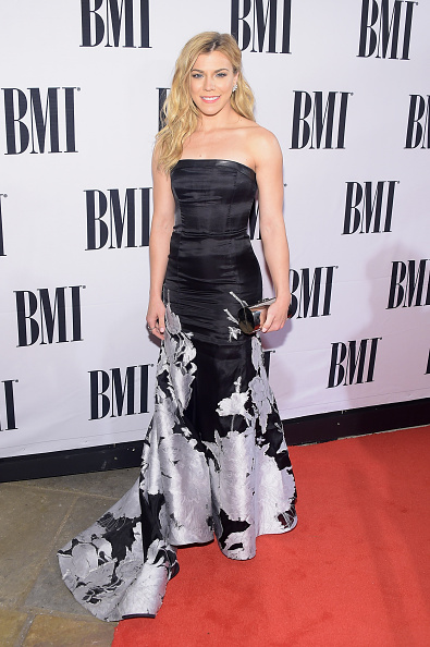 Hair Part「62nd Annual BMI Country Awards - Arrivals」:写真・画像(10)[壁紙.com]