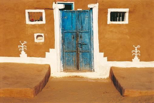 Rajasthan「Houses in Dangri Village, Jaisalmer, Rajasthan, India.」:スマホ壁紙(5)
