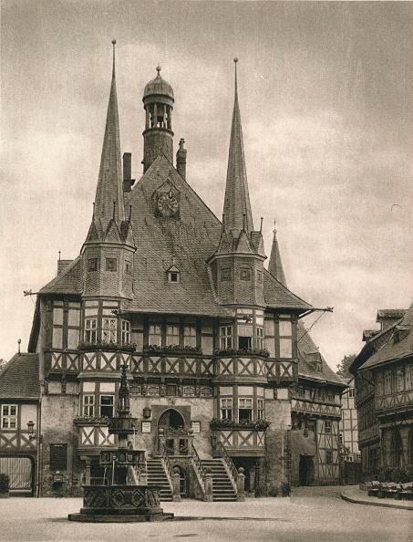 Symmetry「Wernigerode - Rathaus, 1931」:写真・画像(19)[壁紙.com]