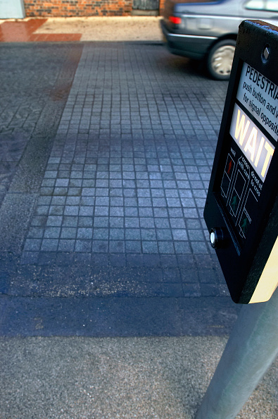 Road Signal「Road marking with feature for blind people at pedestrian crossing. UK.」:写真・画像(6)[壁紙.com]