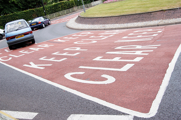 Road Marking「Road markings on a roundabout」:写真・画像(3)[壁紙.com]