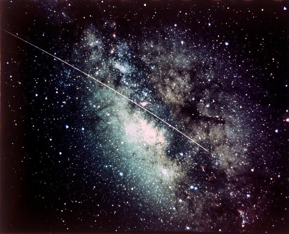 Meteor「Milky Way In The Sagittarius Region With Meteor Streak. Creator: Nasa.」:写真・画像(12)[壁紙.com]