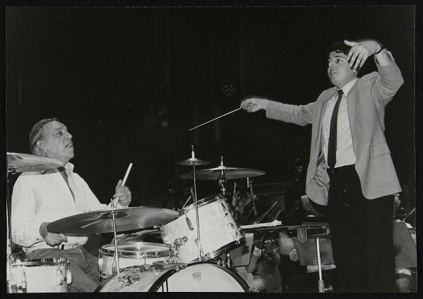 Conductor's Baton「Buddy Rich and conductor Andrew Litton, Royal Festival Hall, London, June 1985. Artist: Denis Williams」:写真・画像(11)[壁紙.com]