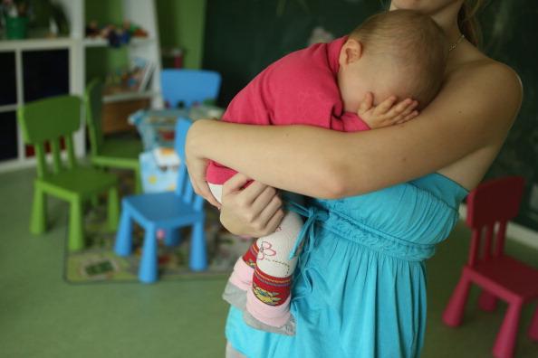 Parent「Social Projects Address Needs Of Struggling Families」:写真・画像(9)[壁紙.com]