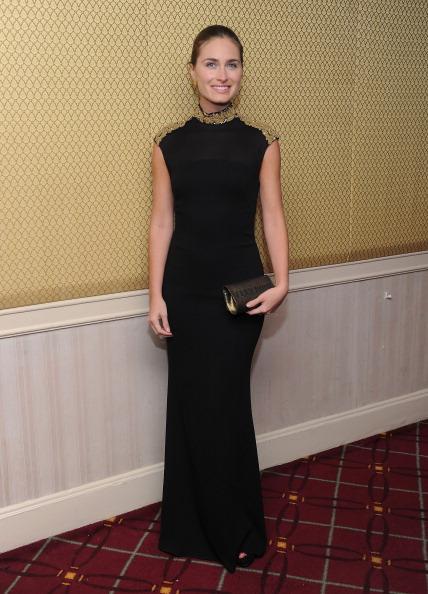 Form Fitted Dress「57th Annual Viennese Opera Ball Gala」:写真・画像(2)[壁紙.com]