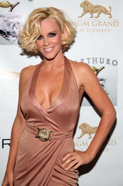 Jenny McCarthy「Diddy's Den Hosted By Sean Diddy Combs At The MGM Grand At Foxwoods」:写真・画像(11)[壁紙.com]