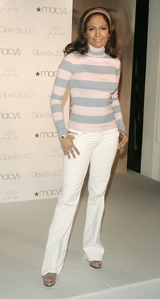 体にぴったりした「Jennifer Lopez Announces The JLO Ultimate Makeover Sweepstakes」:写真・画像(8)[壁紙.com]
