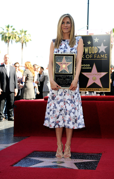 Star Shape「Jennifer Aniston Honored On The Hollywood Walk Of Fame」:写真・画像(3)[壁紙.com]