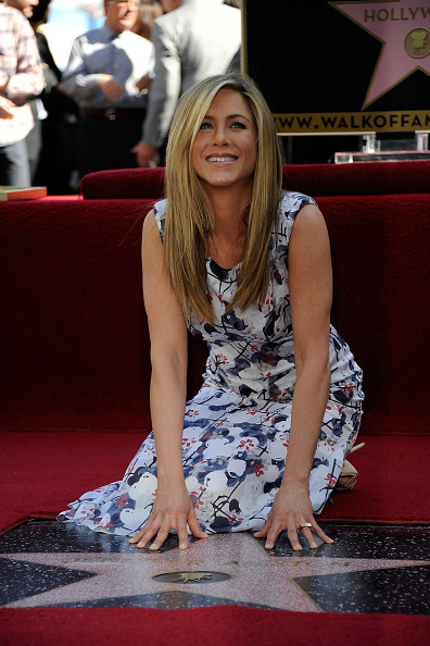 Star Shape「Jennifer Aniston Honored On The Hollywood Walk Of Fame」:写真・画像(11)[壁紙.com]