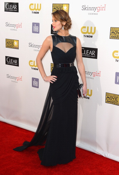 Form Fitted Dress「18th Annual Critics' Choice Movie Awards - Arrivals」:写真・画像(16)[壁紙.com]