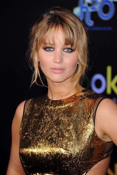 "Bangs「Premiere Of Lionsgate's ""The Hunger Games"" - Arrivals」:写真・画像(9)[壁紙.com]"
