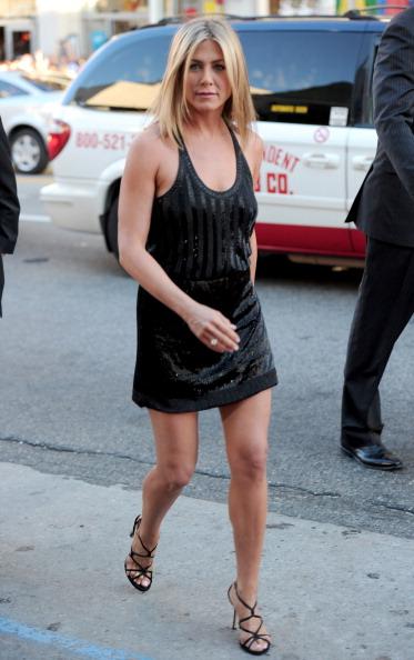 """Little Black Dress「Premiere Of Warner Bros. Pictures' """"Horrible Bosses"""" - Red Carpet」:写真・画像(9)[壁紙.com]"""