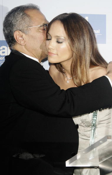 Jose Lopez「Berlinale - Jennifer Lopez Receives 'Artists For Amnesty' Award」:写真・画像(1)[壁紙.com]