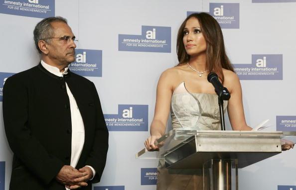 Jose Lopez「Berlinale - Jennifer Lopez Receives 'Artists For Amnesty' Award」:写真・画像(8)[壁紙.com]