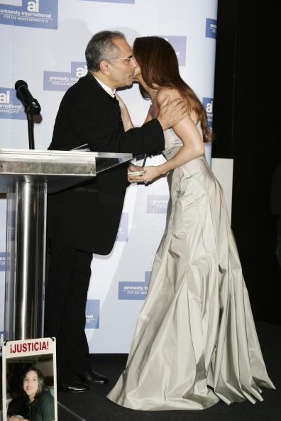 Jose Lopez「Berlinale - Jennifer Lopez Receives 'Artists For Amnesty' Award」:写真・画像(7)[壁紙.com]