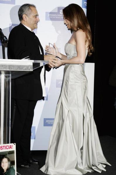 Jose Lopez「Berlinale - Jennifer Lopez Receives 'Artists For Amnesty' Award」:写真・画像(2)[壁紙.com]