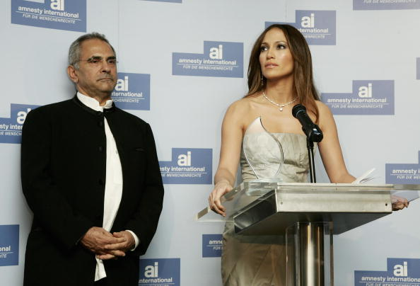 Jose Lopez「Berlinale - Jennifer Lopez Receives 'Artists For Amnesty' Award」:写真・画像(14)[壁紙.com]