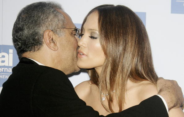 Jose Lopez「Berlinale - Jennifer Lopez Receives 'Artists For Amnesty' Award」:写真・画像(4)[壁紙.com]