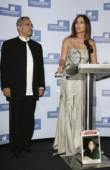 Jose Lopez「Berlinale - Jennifer Lopez Receives 'Artists For Amnesty' Award」:写真・画像(9)[壁紙.com]