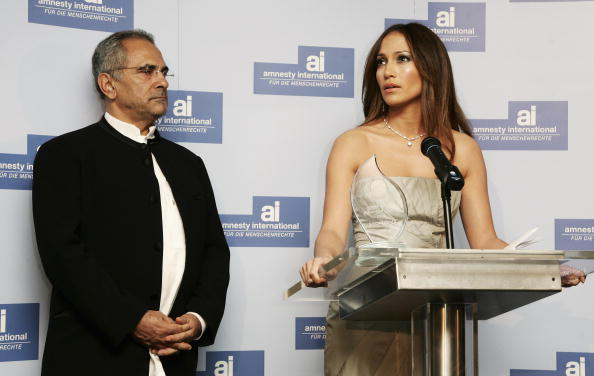 Jose Lopez「Berlinale - Jennifer Lopez Receives 'Artists For Amnesty' Award」:写真・画像(19)[壁紙.com]