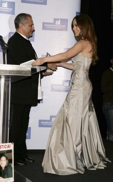 Jose Lopez「Berlinale - Jennifer Lopez Receives 'Artists For Amnesty' Award」:写真・画像(5)[壁紙.com]