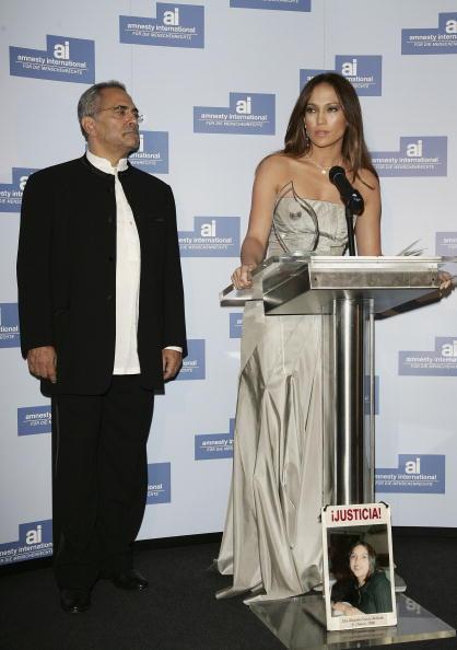 Jose Lopez「Berlinale - Jennifer Lopez Receives 'Artists For Amnesty' Award」:写真・画像(3)[壁紙.com]