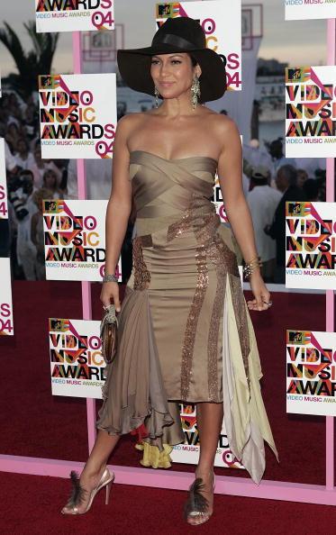 Metallic Dress「2004 MTV Video Music Awards - Arrivals」:写真・画像(8)[壁紙.com]