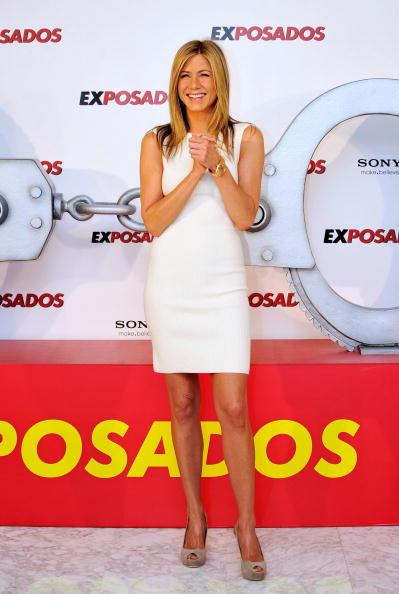 High Heels「Jennifer Aniston Attends 'The Bounty Hunter' Photocall in Madrid」:写真・画像(4)[壁紙.com]